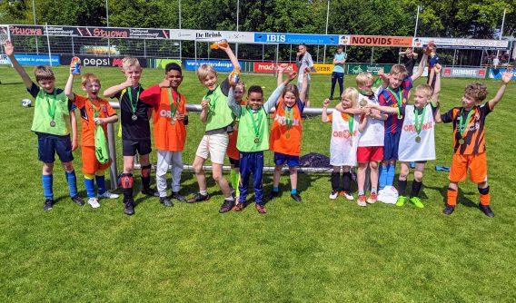 Stralend voetbalweekend voor de jeugd